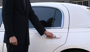 Limousine Rentals in Melbourne For All Special Occasions